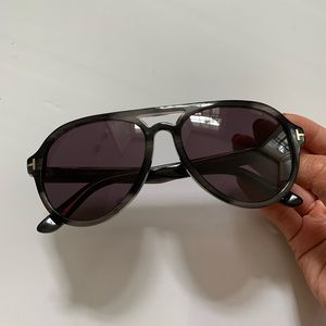 AUTHENTIC TOM FORD AVIATOR SUNGLASSES GREY/SMOKE